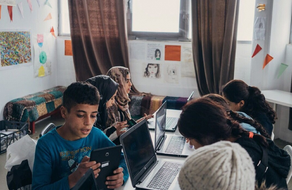 Microsoft team brings tech education to refugees